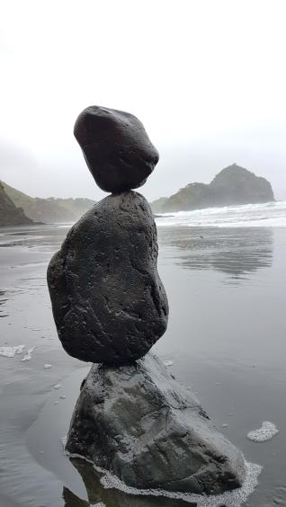SteinBalanceSkulptur